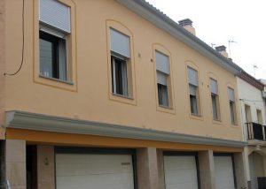 Pintura y restauración de fachada de chalets adosados en Madrid