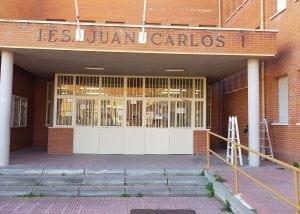 Esmaltado de puertas en Madrid. Pintura protectora del metal en Madrid.